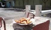 يمنيات تتركن سمبوسة أمام مفوضية أممية بصنعاء