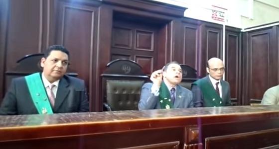 قاضي يخرج عن شعوره ويوبخ ربة منزل قتلت زوجها بمساعدة عشيقها