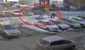 بالفيديو.. رجل يجبر السلطات على حماية الحدائق العامة باختطاف ابنته