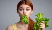 خضروات وفاكهة تعوض الجسد عن قلة شرب المياه