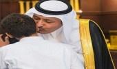 بالصور.. أمير الباحة يستقبل ذوي الشهيد محمد الزهراني
