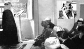 صورة نادرة للشيخ حافظ وهبة يلقي خطبة الجمعة في مسجد شرق لندن