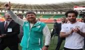 الرئيس الشيشاني يهدي حق المواطنة للمصري محمد صلاح