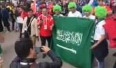 بالفيديو.. أجواء حماسية خارج ملعب مباراة افتتاح المونديال