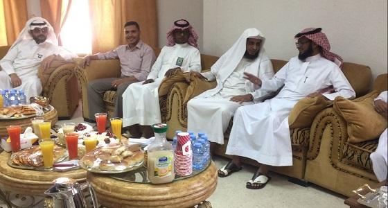 الجمعية الخيرية بخميس مشيط تقيم حفل معايدة لمنسوبيها
