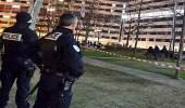 الشرطة الفرنسية: مسلح يحتجز رهينتين في شركة بباريس