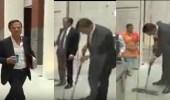 بالفيديو.. عاملات النظافة يهتفن لرئيس وزراء هولندا بعد أن مسح أرض البرلمان