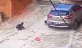 بالفيديو.. لحظة نجاة طفل من الموت بعدما دهسته والدته