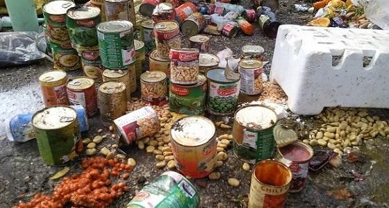 بلدية مركز قنا بمحايل تصادر 12 كيلو من المواد الغذائية الفاسدة