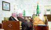 أمير الرياض بالنيابة يستقبل مدير فرع هيئة الأمر بالمعروف بالمنطقة