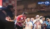 بالصور.. حشود الجماهير تستقبل زلاتكو النجم المتواضع