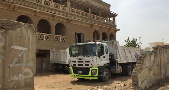 """بالصور.. إغلاق المستودعات المخالفة بجدة قبل زيارة نائب أمير مكة لـ """" قصر خزام """""""