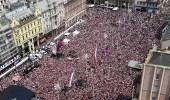 بالصور.. مئات الآلاف يستقبلون منتحب كرواتيا في مشهد تاريخي