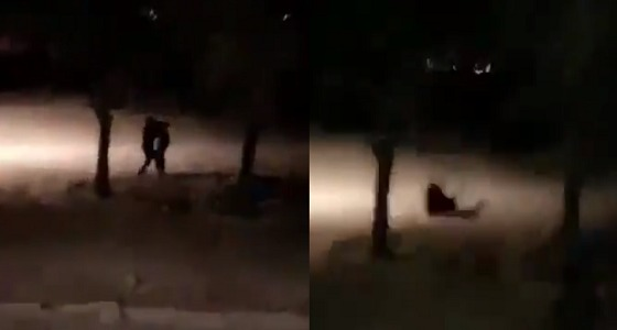بالفيديو.. لحظة القبض على مروج خمور بالرياض