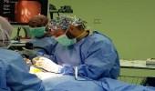بالصور.. أطباء ينجحون في استخراج 8 قطع معدنية من معدة طفل بالمدينة
