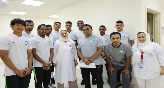 لاعبو المنتخب السعودي يجرون الفحوصات الطبية قبل مغادرتهم