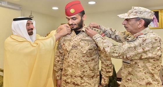 أمير نجران يقلد الأمير سلمان بن عبدالله رتبته الجديدة