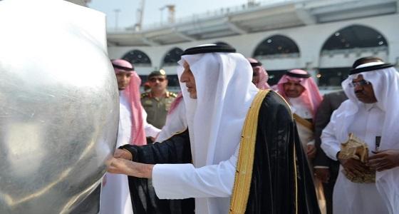 بالصور.. أمير مكة يتشرف بغسل الكعبة المشرفة نيابة عن خادم الحرمين
