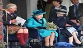 بالصور.. ابتسامة عريضة للملكة إليزابيث الثانية وتبادلها للمزاح مع ابنائها