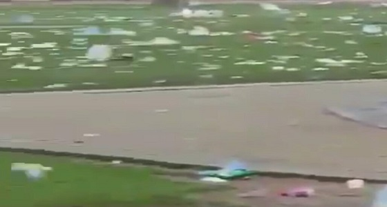 بالفيديو.. نفايات الزوار تشوه معالم إحدى المنتزهات الخلابة بالمملكة
