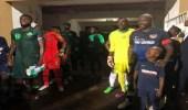 بالفيديو.. رئيس ليبريا يعود للملاعب ويقود منتخب بلاده أمام نيجيريا