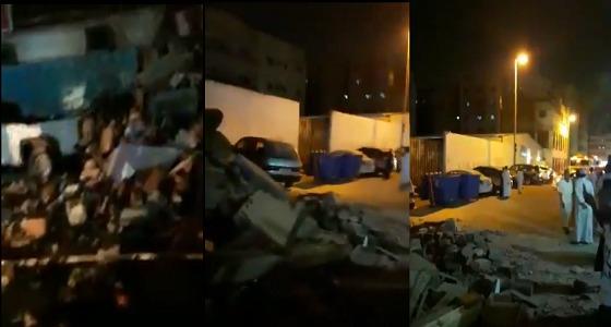 بالفيديو..الأضرار التي خلفها انهيار مبنى بحي الهنداوية