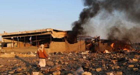 """"""" بوارج التحالف """" تقصف مخازن أسلحة للحوثيين بالحديدة"""