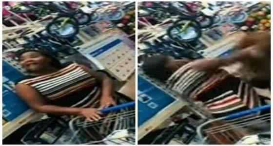 بالفيديو.. مراهق يفاجئ والدته بوجه مخيف داخل مركز تسويق