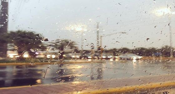 بالفيديو.. الأمطار تغرق شوارع نجران