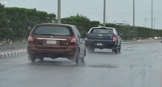 هطول أمطار غزيرة على محايل