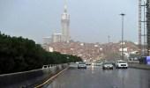 هطول أمطار متوسطة إلى غزيرة على مكة