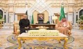 بالصور.. خادم الحرمين يستقبل رئيس باكستان الإسلامية