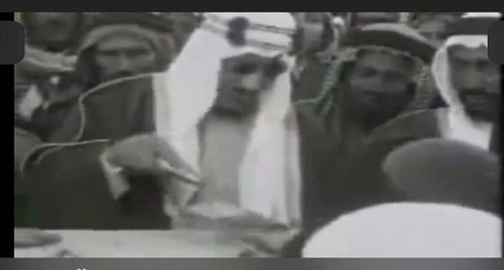 بالصور.. الملك سعود يضع حجر الأساس لأول توسعة في المسجد النبوي وحفل الافتتاح