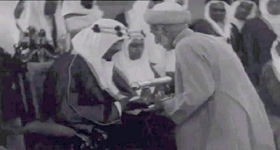 فيديو نادر لزيارة الملك سعود التاريخية إلى الهند.. و3 ملوك رافقوه