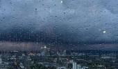 """"""" الأرصاد """" : استمرار هطول الأمطار الرعدية على المنطقة الشرقية"""