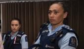 مسلمة وأخفت ديانتها.. ضابطة بالشرطة النيوزيلندية بكت تعاطفا مع ضحايا الحادث الإرهابي