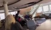 بالفيديو.. لحظة تعطل سفينة سياحيةتقل 1300 راكبفي النرويج