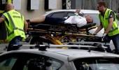 """صورة مؤثرة لأحد ضحايا حادث مسجد نيوزيلندا الإرهابي وهو """" يتشهد """" رافعا سبابته"""