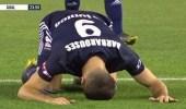 بالفيديو.. لاعب نيوزيلندي يسجد تضامنًا مع ضحايا هجوم المسجدين
