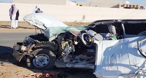 وفاة 5 طلاب بينهم 3 أشقاء في حادث مروع بين حافلة مدرسية ومركبة بالعلا