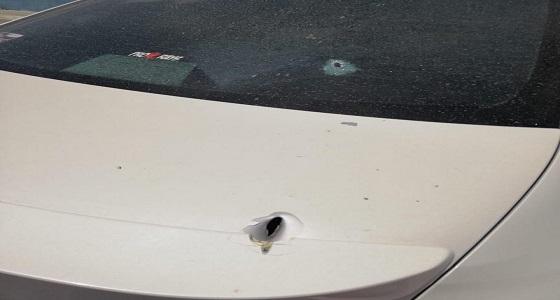 إطلاق النار على سيارة معلم بتثليث
