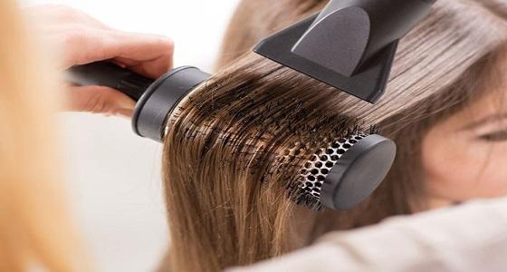 استشاري يوضح حقيقة تسبب استشوار الشعر في الإصابة بأورام المخ