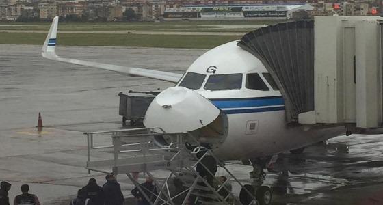 طائرة كويتية تصطدم بكتلة ثلجية