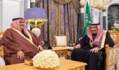 وزير الخارجية البحريني يشدوا شعرا ترحيبا بخادم الحرمين الشريفين