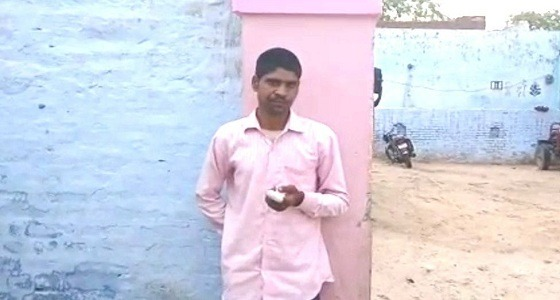هندي يقطع إصبعه بعدما صوَّت لحزب آخر بالخطأ