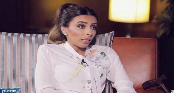 بالفيديو.. مواطنة حاصلة على دكتوراه في علوم القرآن تثير ضجة بخلعها للحجاب