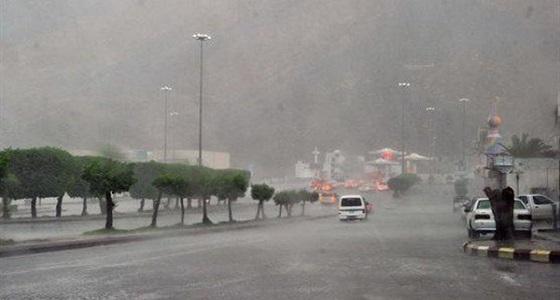 استمرار هطول أمطار رعدية على المدينة المنورة