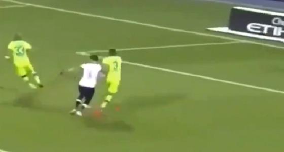 """بالفيديو.. ناقد رياضي يصف لقطة الهدف الأول للنصر أمام الفتح بـ """" الفضيحة """""""