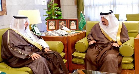 الأمير فيصل بن بندر يستقبل مدير عام الشؤون الصحية بالرياض