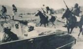الملك سعود في سيارة مكشوفة بشوارع صنعاء في الخمسينيات